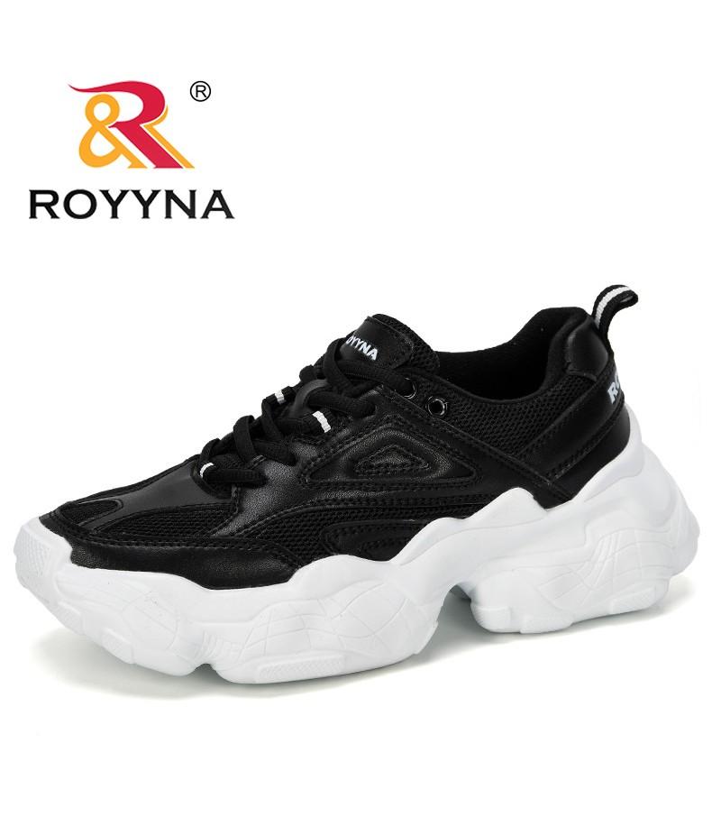 4e17a7ba42a Sneakers
