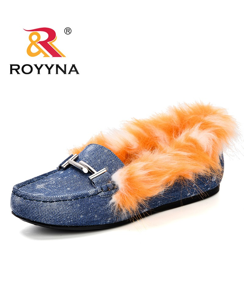 ROYYNA New Designer 2018 Autumn Winter Woman Plush Flats Shoes Fashion Hand-Sewn Loafers Female Warm Comfortable Casual ShoesV