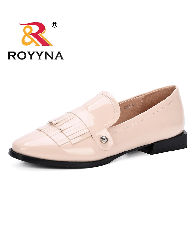 ROYYNA 2019 Round Toe Low Heel Womens Loafer Heels Slip-On Patent Leather Popular Tassels Shoes Women Sexy Comfortable Shoes