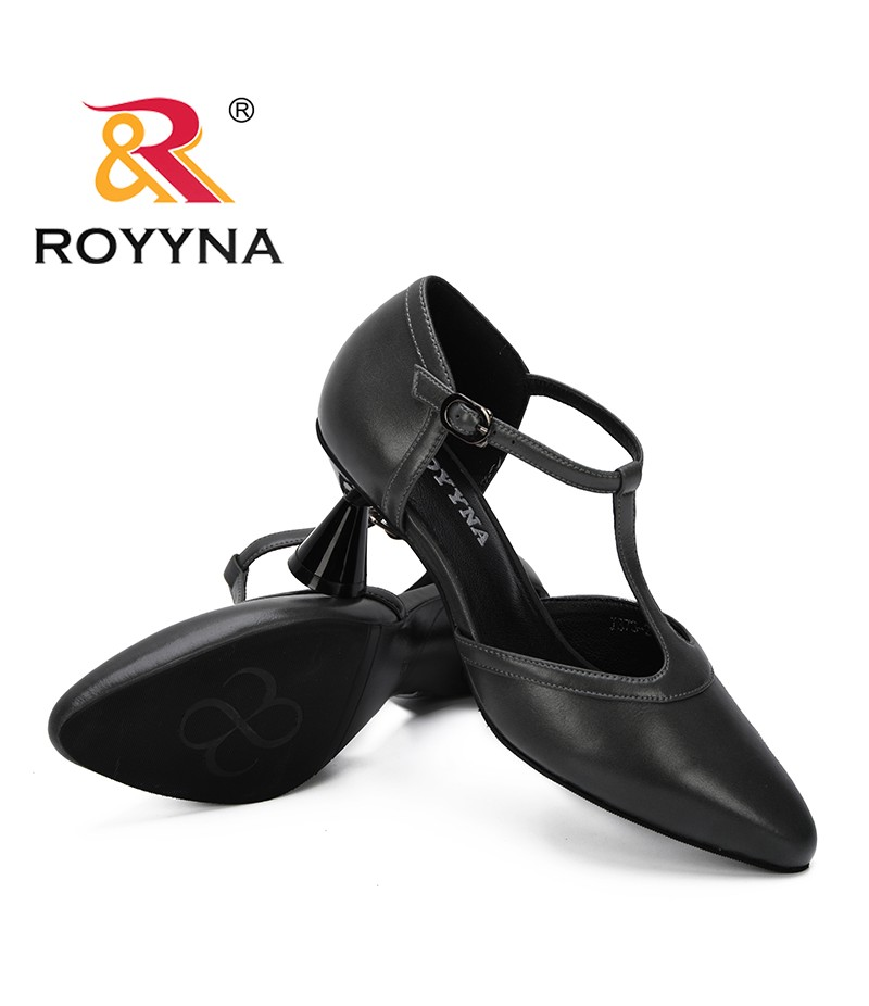 ROYYNA 2019 New Classics Style Summer Women Pointed Sandals Strange Style Heels Female Summer shoes Trendy Outside Ladies Shoes