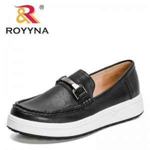 ROYYNA 2021 New Designers Genuine Leather Vulcanized Shoes Women Sneakers Ladies Casual Shoes Metal Buckle Platform Shoes Woman
