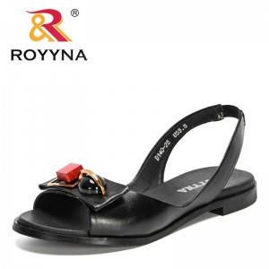 ROYYNA 2021 New Designers Flat Metal Decration Comfortable Sandals Women Trendy Summer Sandals Shoes Woman Office Shoes Feminimo