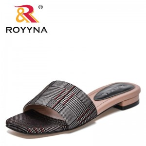 ROYYNA 2021 New Designers Popular Slippers Beach Female Flats Slipper Casual Comfortable Ladies Sandals Sildes for Women Light
