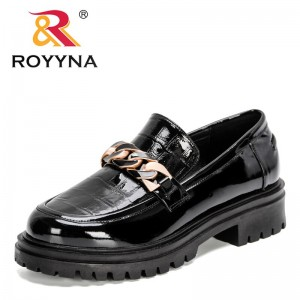 ROYYNA 2021 New Designers Vintage Metal Decretion Shoes Woman Thick Heels Pumps for Women Party Basic Shoes Feminimo Dress Shoes